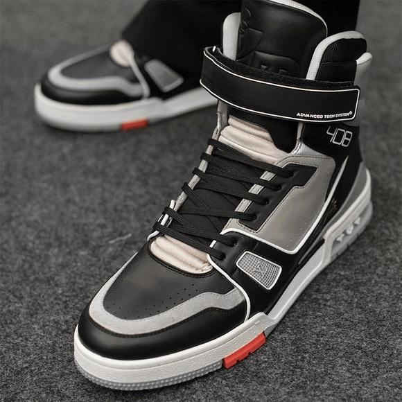 f79f878289c LV Men's SS'19 Virgil Abloh Grey Sneakers NWT